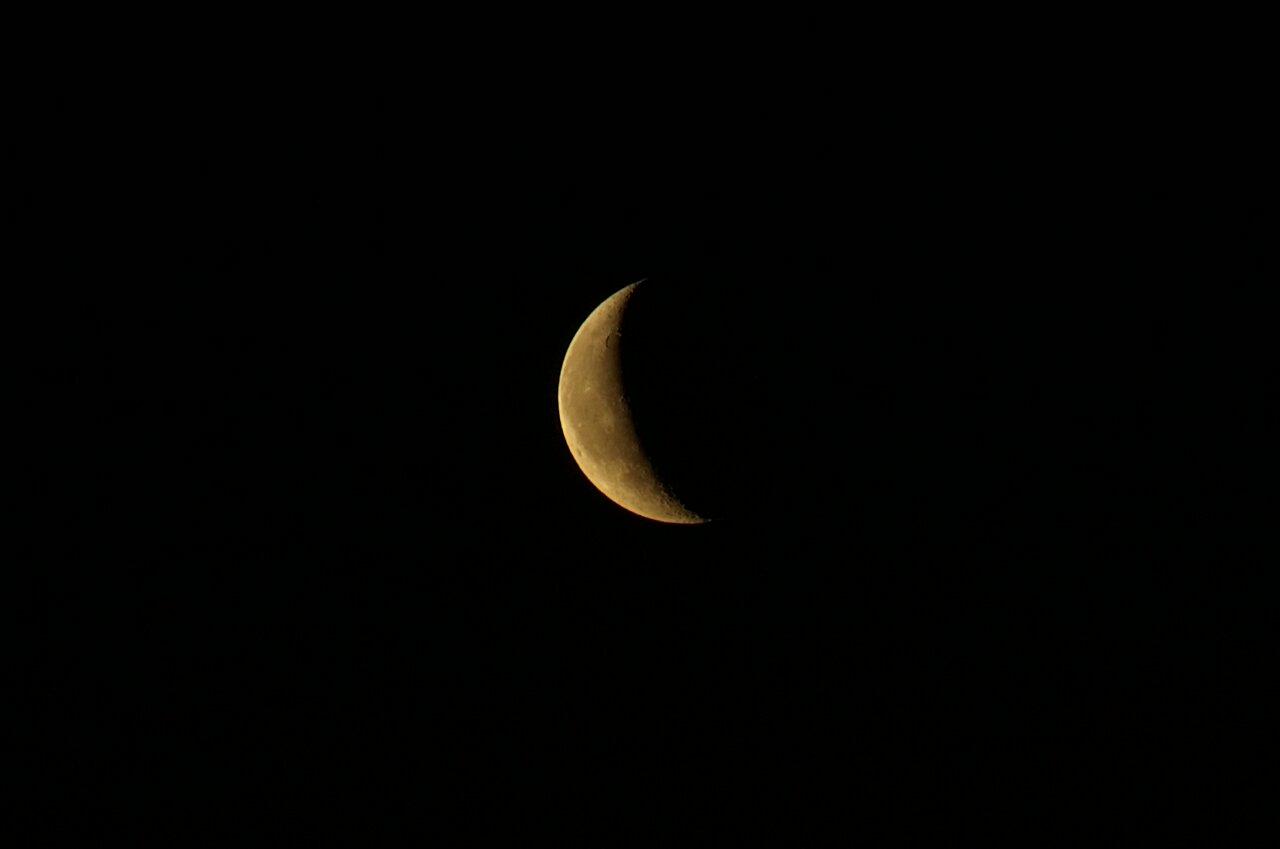 Я такой луны ещё никогда не видел