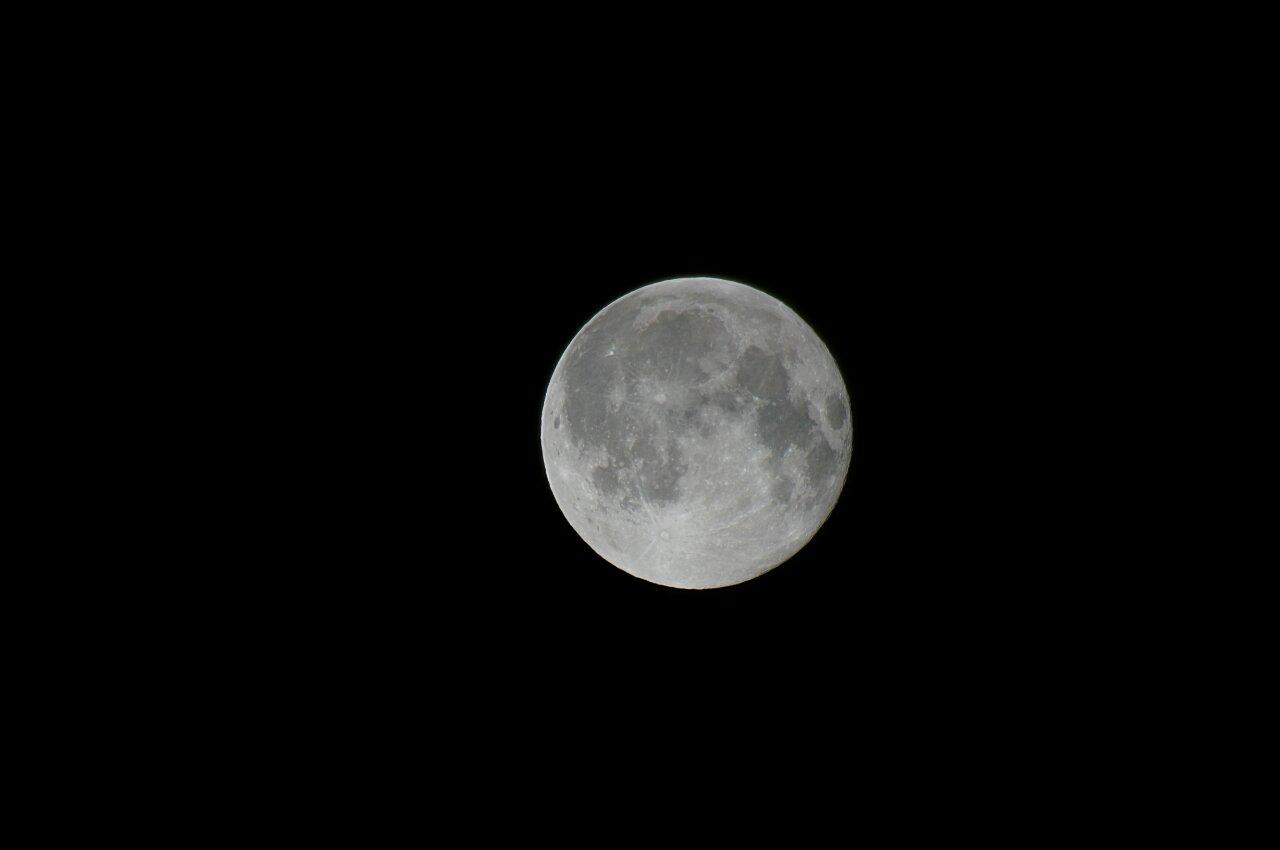Луна. Полнолуние.