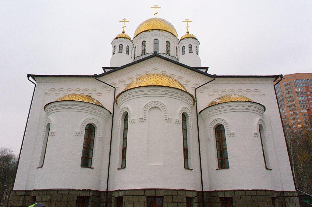 Храм в Дубках